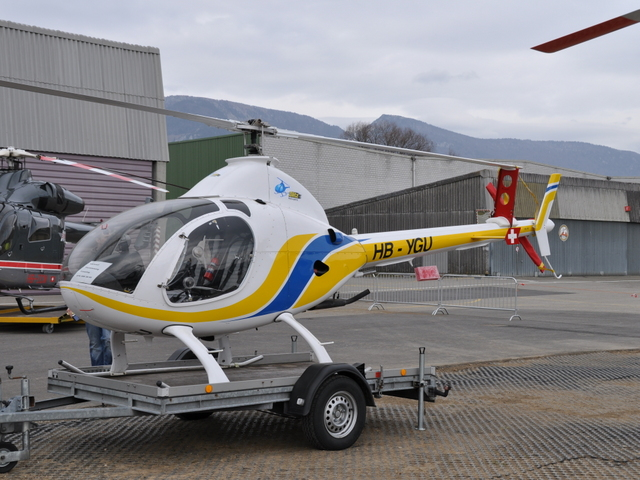 robinson heli with Hb Ygu on Hb Ygu further Why Is The Pic Position For Helicopters The Right Seat Rather Than The Left Sea as well Agustawestland Aw139 furthermore Aerial Application moreover The Robinson R22.